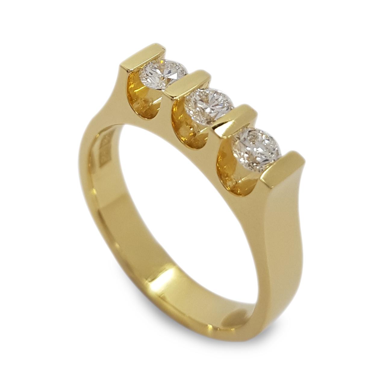 Rudolf Heltzel u-shape bar set bespoke 3 stone diamond engagement ring