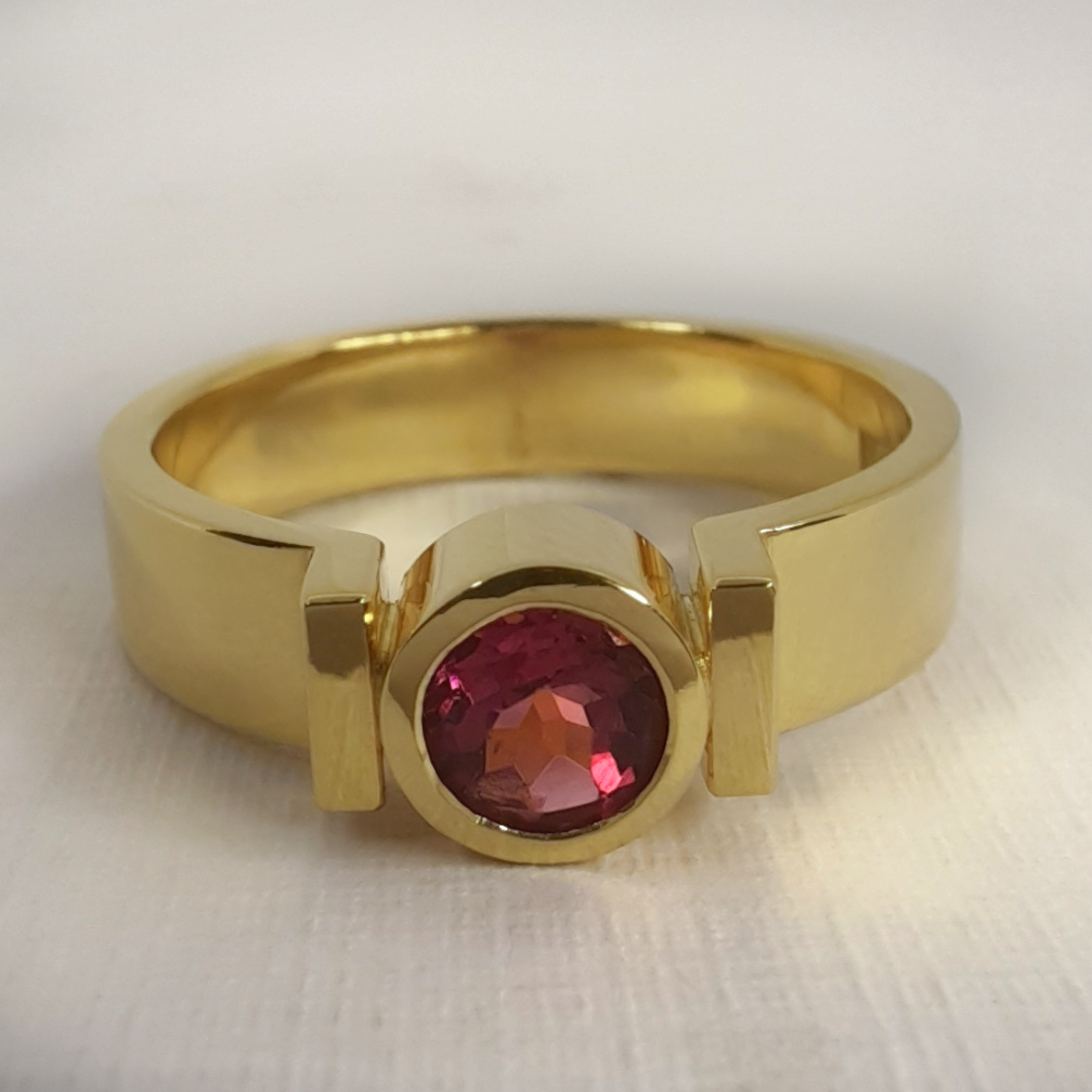 Rudolf Heltzel 18ct yellow gold Bezel Set Pink Tourmaline Solitaire Engagement Ring 2